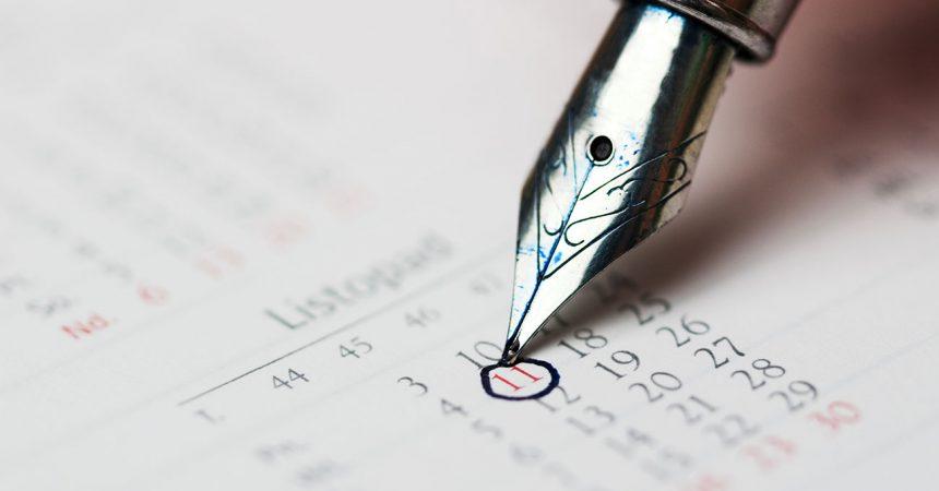 Kalender und Füllfeder